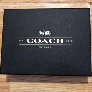 Nwt coach wristlet